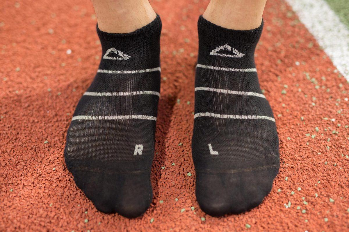 Front design barracuda men running socks in stripe blk
