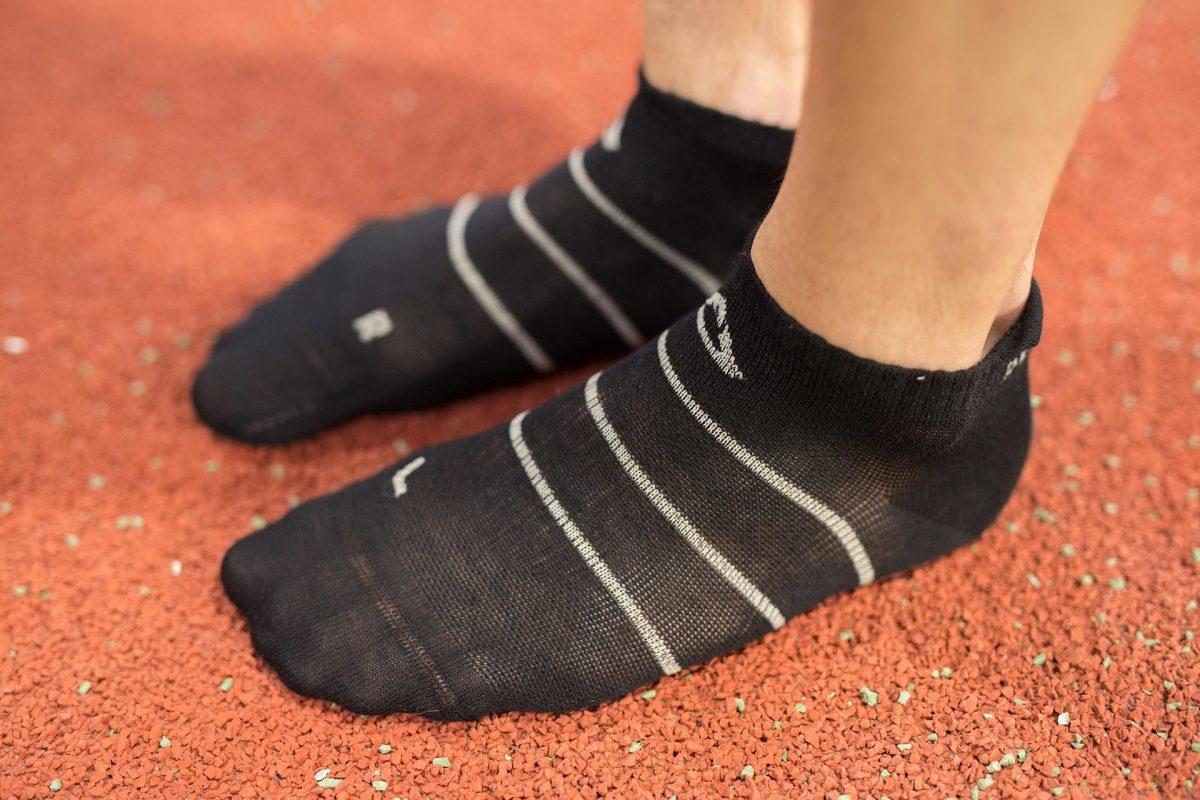 Dogmasocks men run barracuda socks stripe blk front design