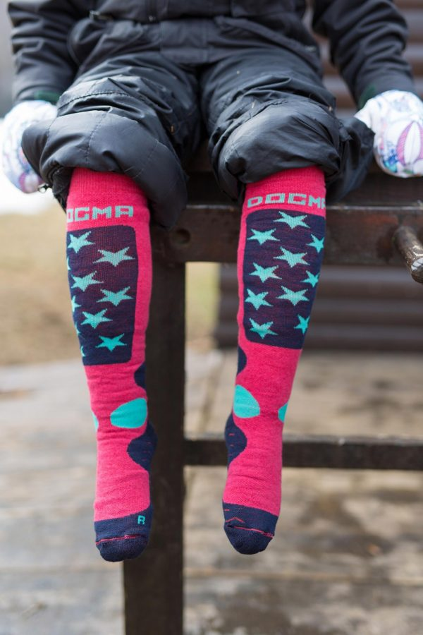 A picture of dogma snow fox junior stars socks in salmon color