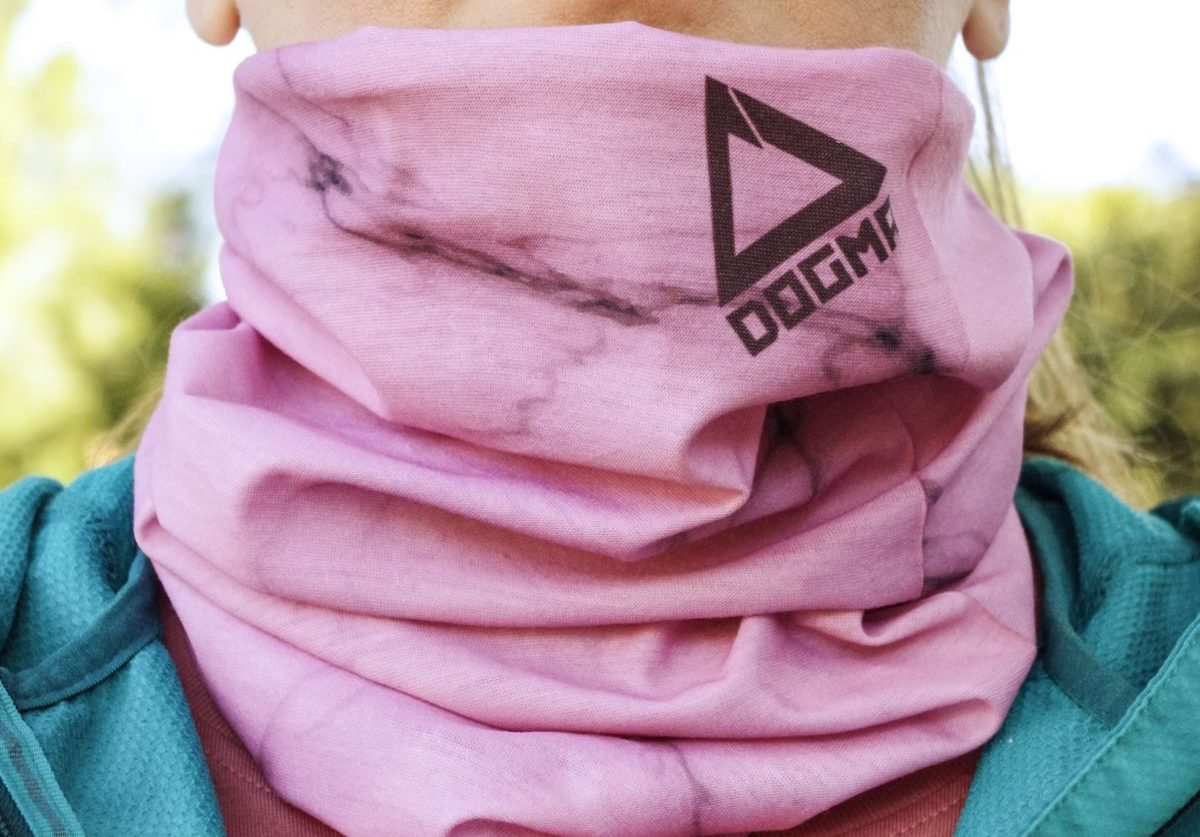 Bandana for outdoor acivities worn around the neck in pink marble pattern