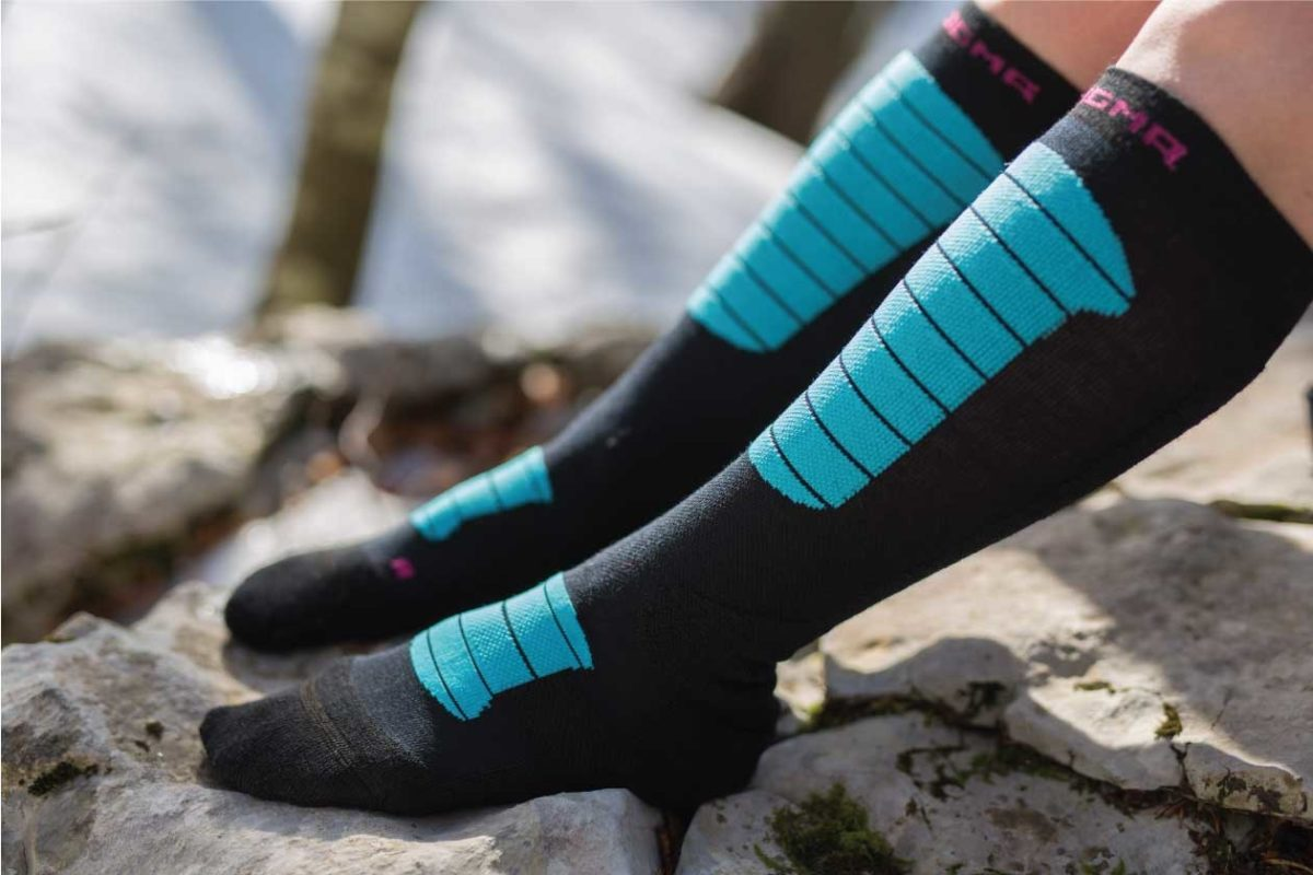 Dogmasocks Snow Eater winter socks for women. Side picture of Snow Eater design, knee height