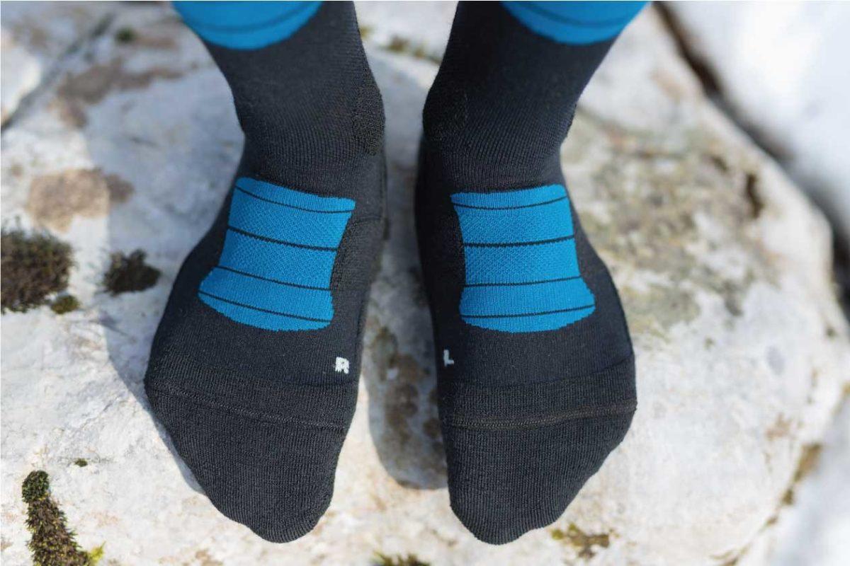 Dogmasocks Snow Eater winter socks for men with petrol stripes.