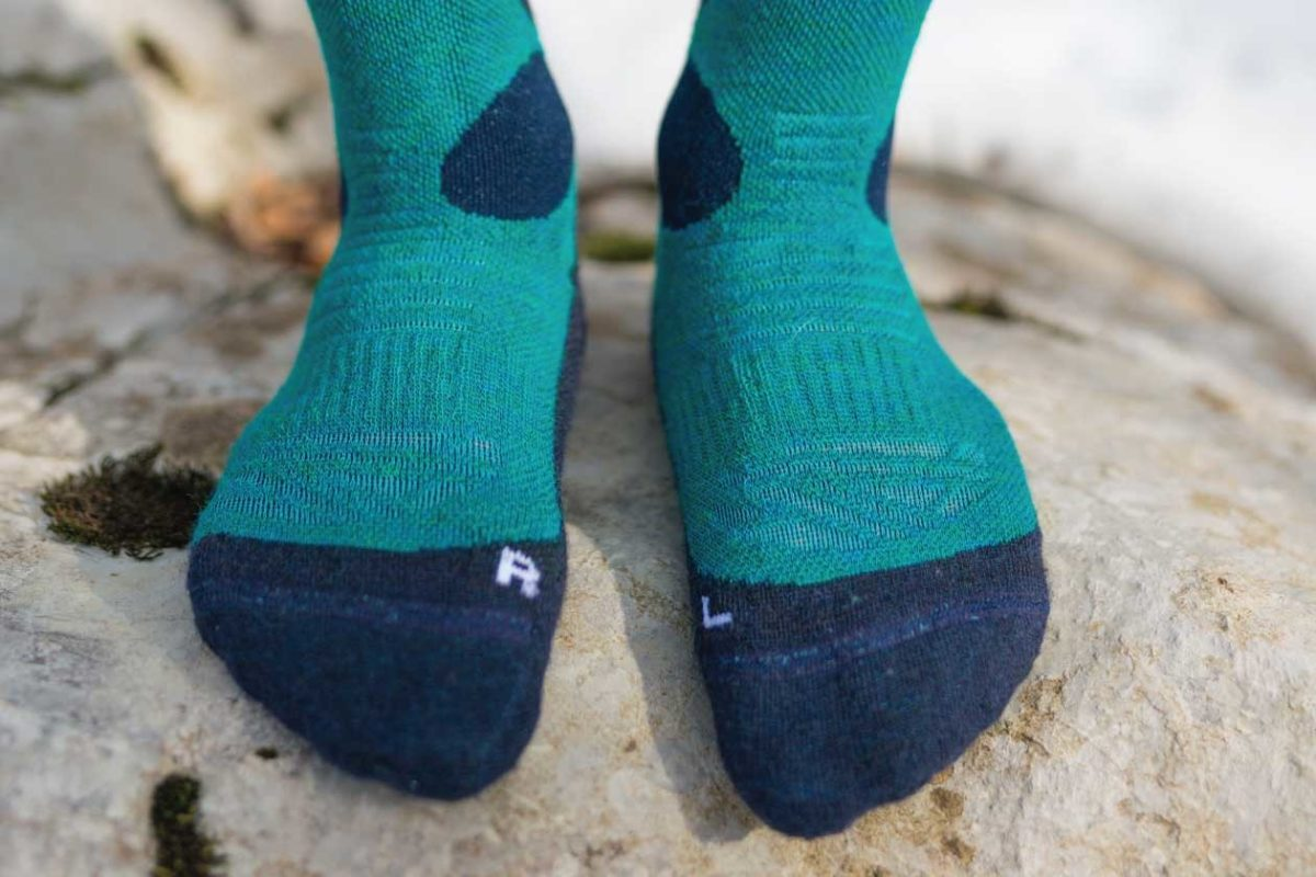 A close up picture of dogma snow fox winter socks for men