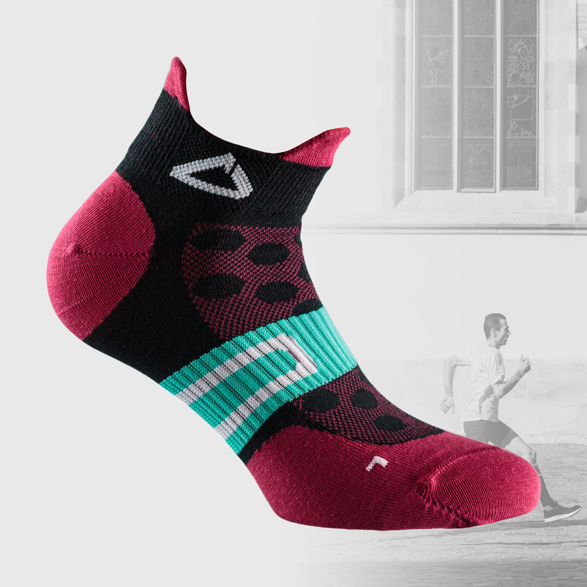 colorful running socks from dogma