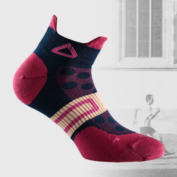 women's runing socks in magenta and dark blue color