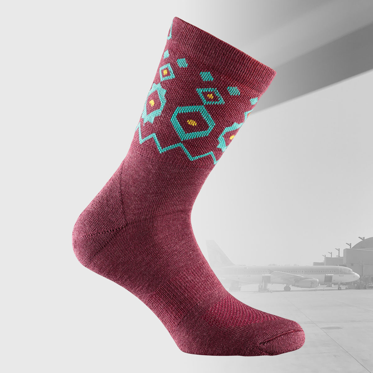 travel socks in burgundy color and nordic design